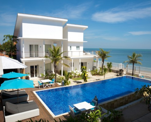 Beautiful villa with a swimming pool by the beach